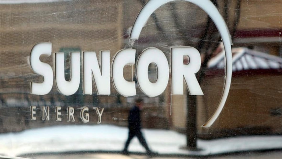 Suncor will compensate tradespeople stuck in an oilsands work camp during delay