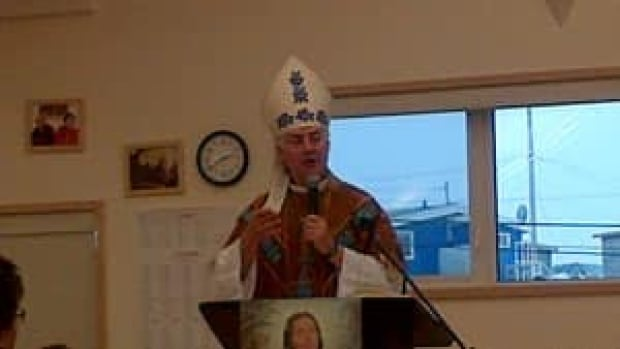 mi-dettah-church-ceremony-by-ruby-pigott