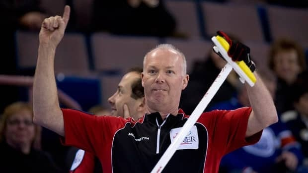 Ontario skip Glenn Howard clinched first place in the round-robin at the Brier on Thursday.