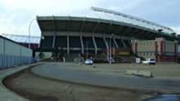 si-stadium-lrt-station