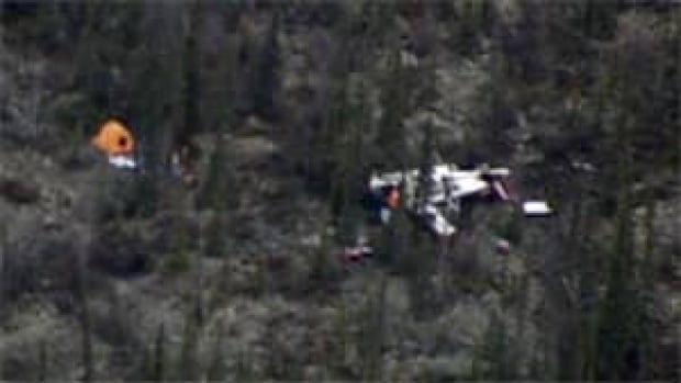 The Air Tindi Cessna 208B that crashed near Lutselk'e, N.W.T., on Tuesday carried four people. Two died and two are in stable condition in an Edmonton hospital.