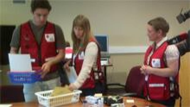 red-cross-volunteers-220