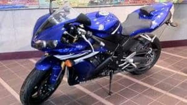 hi-bc-120419-yamaha-r-1-4col