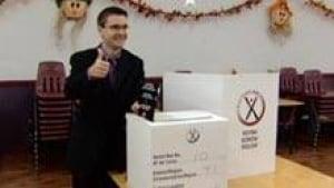 si-nb-austin-vote-220
