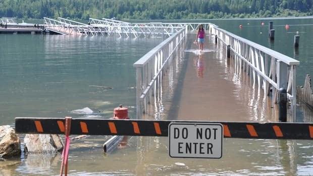 hi-bc-120626-sicamous-flooding-mara-lake-shaw-8col