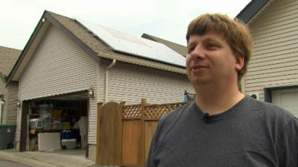 Solar Panels Mean 3 Electricity Bill For Surrey Man