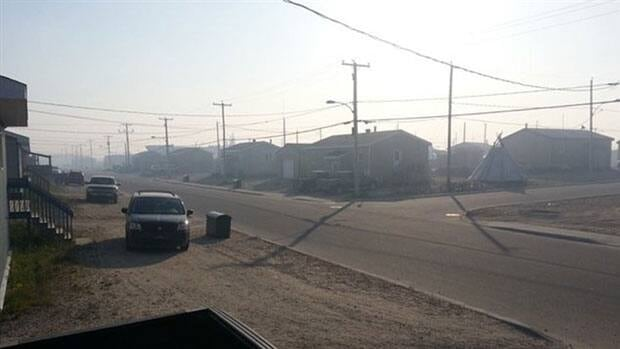 The Cree community of Eastmain, Que., is being partly evacuated Friday due to heavy smoke from a nearby forest fire.