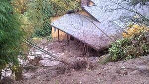 hi-bc-121031-langley-mudslide-house-4col