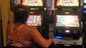 hi-slot-machine-852-4col