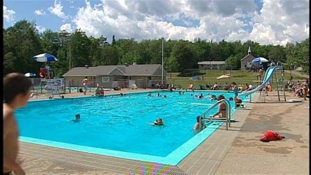 Manitoba 39 Swim To Survive 39 Program Limited To North Cbc News