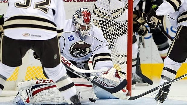 Braden Holtby, seen in an earlier game this season for Hershey, made 32 saves on Tuesday night.