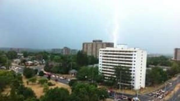 mi-ott-lightning300