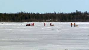 mi-ice-rescue-yellowknife-bay