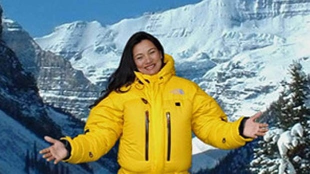 canadian everest climber 39 s body recovered cbc news. Black Bedroom Furniture Sets. Home Design Ideas