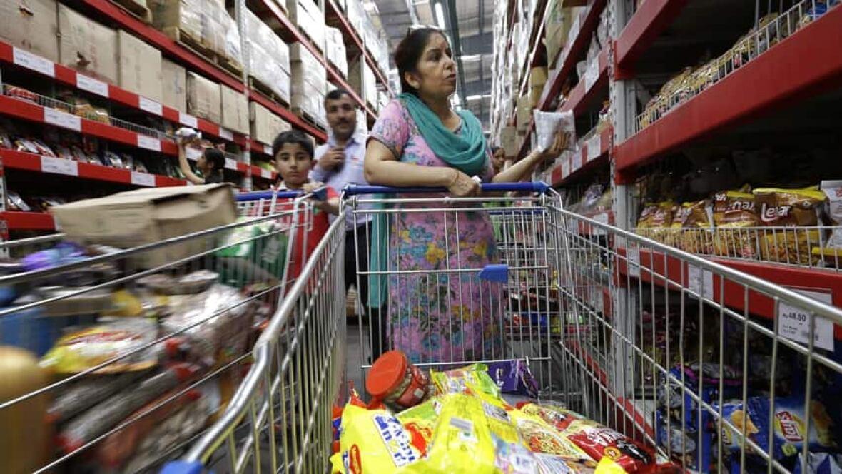 walmart and bharti transformng retail in Walmart and bharti in retail india cosima gerlach raquel oliveira sara galvão zhaoting wang international management 1st semester 2012/2013 prof sonia dahab.