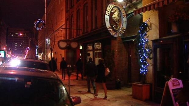 Halifax Regional Police Chief Jean-Michel Blais wants to see bars in downtown Halifax close earlier.