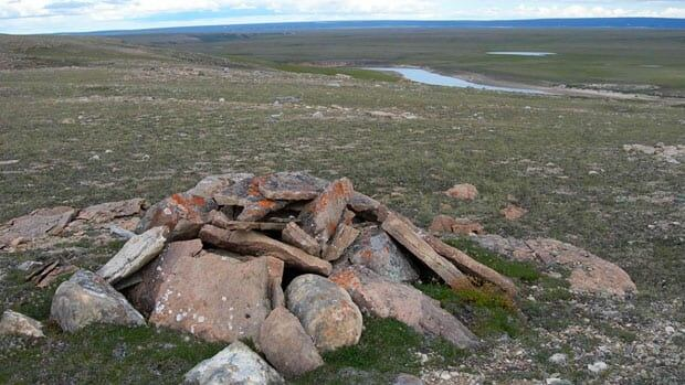 Graves dating between 400 and 1,000 years old, of at least four individuals, have been found aboveground and covered with flat stones at Tuktut Nogait National Park near Paulatuk, N.W.T.