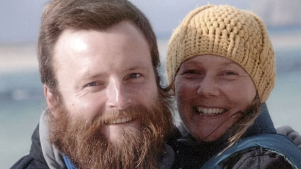 British couple Peter Root and Mary Thompson, both 34, were killed in Thailand Wednesday  in a road accident during their round-the-world cycling odyssey.
