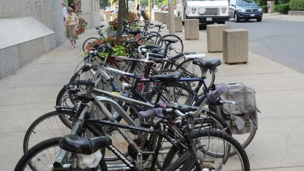 The plan would see 380 bicyle parking spots, along with change rooms and showers.