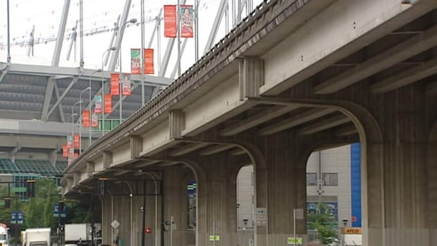 The City of Vancouver is considering removing the raised Dunsmuir and Georgia Viaducts and replacing them with a network and streets and parks.