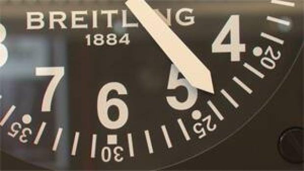 mi-bc-130308-watch-time-clock-3