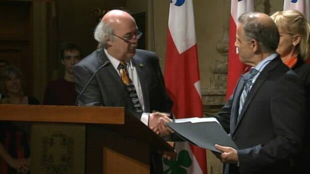 Laurent Blanchard is sworn in as Montreal's third mayor in the past eight months.
