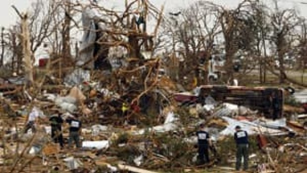 300-tornado-damage-rtxzpdo