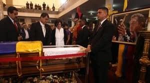 si-300-chavez-funeral-04103874