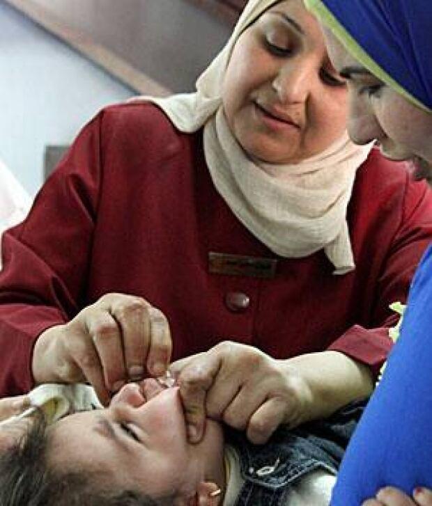 polio-lady-300