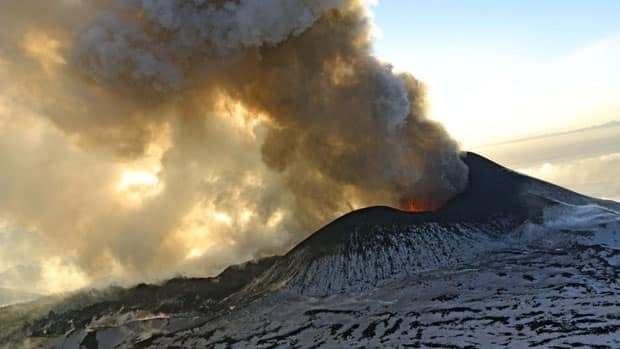 Plosky Tolbachnik volcano which started erupting last week has continued to spew ash and smoke into the air. The Plosky Tolbachik volcano, in the Kamchatka Peninsula, last erupted in 1976.