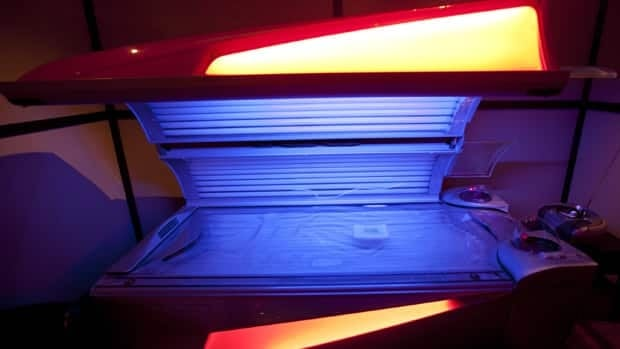 The Canadian Cancer Society wants teenagers in Newfoundland and Labrador to stop using tanning beds like this one in preparation for their graduation formal events.