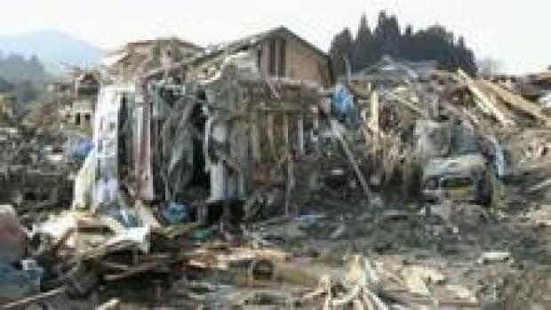 hi-bc-121029-earthquake-house-3col