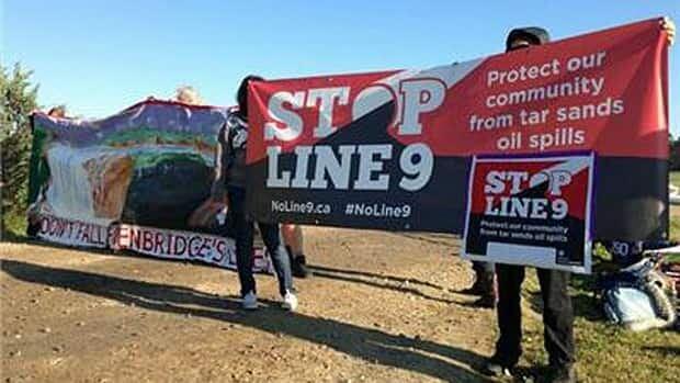 852-enbridge-protest-banner-hi-8col