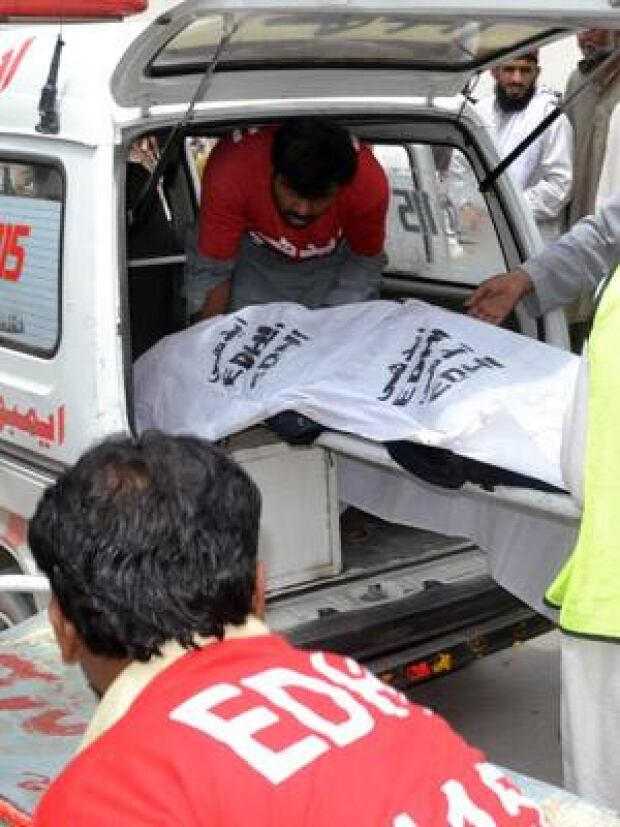si-pakistan-bus-victim-300-getty-175672599