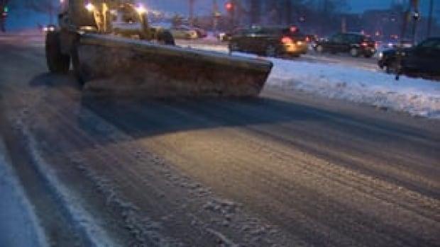 mi-ns-snow-plow-halifax