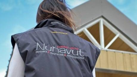 hi-nunavut-tourism-852