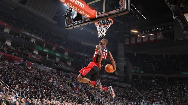 Raptors' Terrence Ross wins NBA all-star slam dunk contest ...