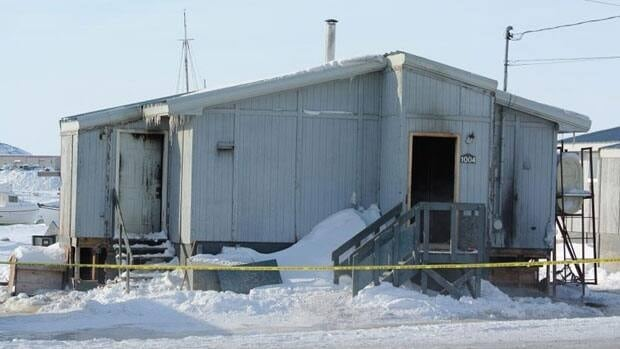 An early morning fire damaged an unoccupied public housing unit in Iqaluit on Saturday.