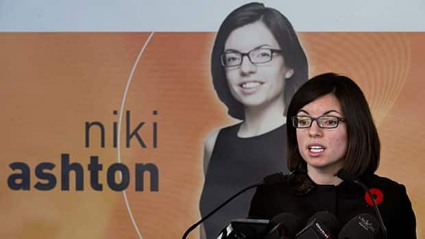 NDP leadership hopeful Niki Ashton promises to bring a style of new politics to Parliament Hill.