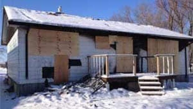 mi-gimli-home-remains-13010