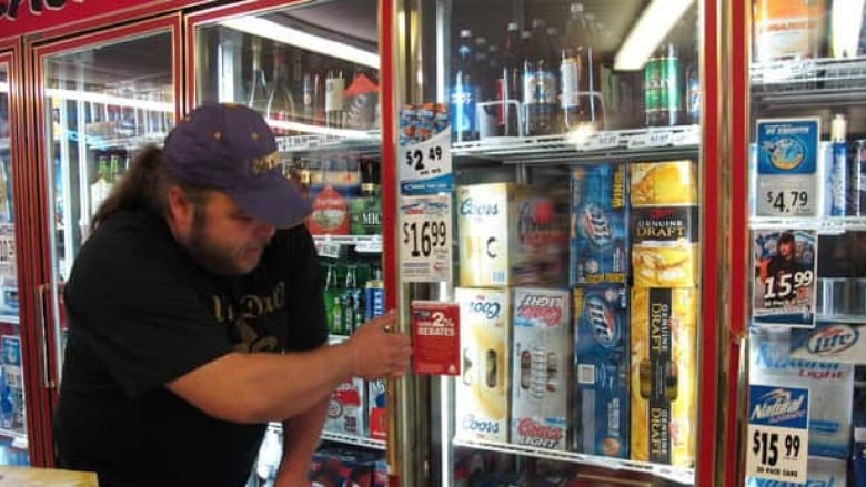 Mac's urges Ontario to allow alcohol sales in corner stores