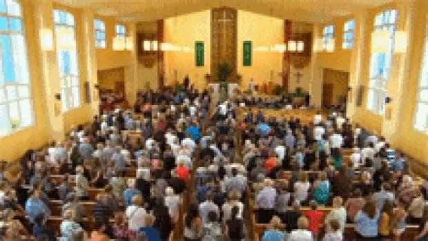 nb-noah-connor-barthe-funeral-church-crowd