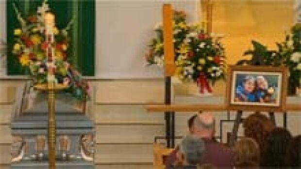 nb-noah-connor-funeral-casket-picture