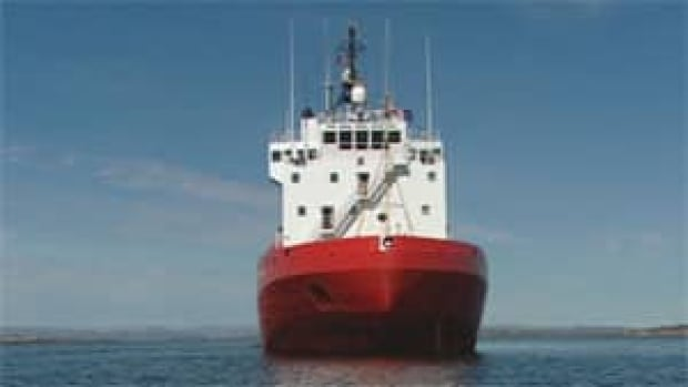 mi-coast-guard-ship-arctic
