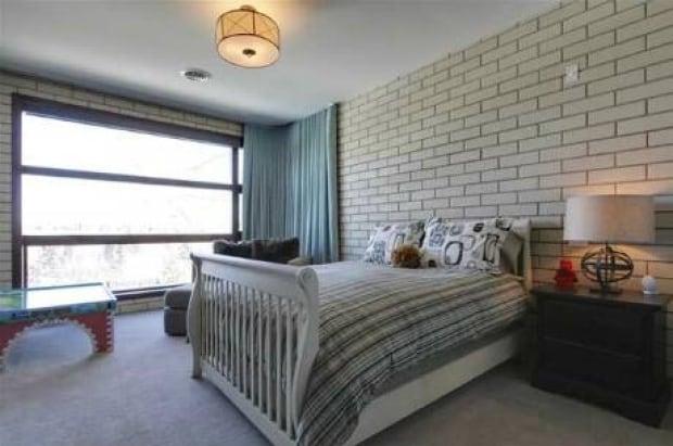 room-guest