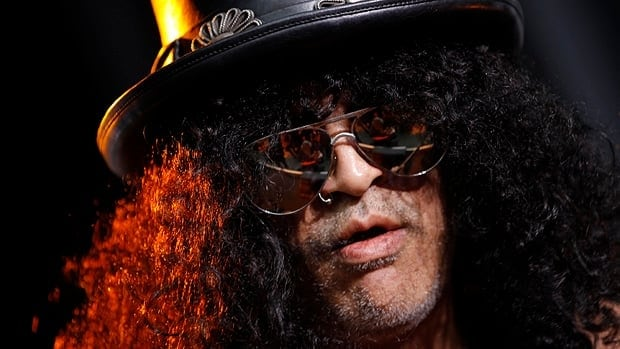 Guitarist Slash has confirmed that he will attend the Rock n Roll Hall of Fame induction ceremony for his former band, Guns N' Roses.
