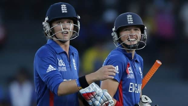 England's Sarah Taylor, left, will play for a men's club team in Birmingham this year but could be on standby if Sussex needs a wicketkeeper at short notice.