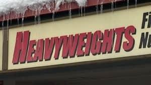 nl-heavyweights-sign-2-300-20130305
