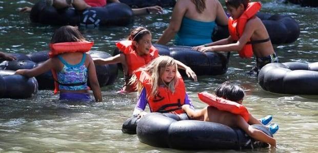 ab-hi-20110730-tubing-lifejacket-ap01022268