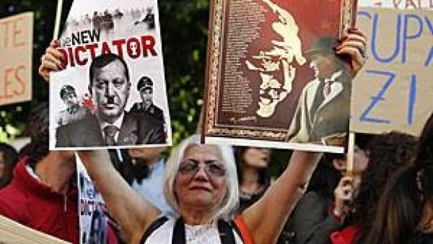 erdogan-dictator-300-rtx10b